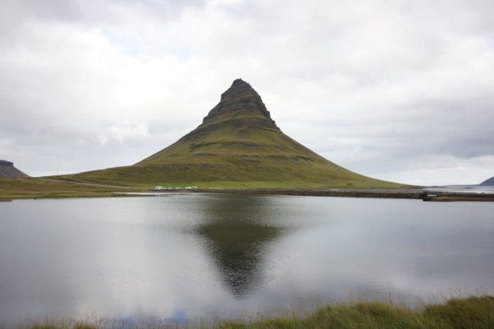 Kirkjufell montagne