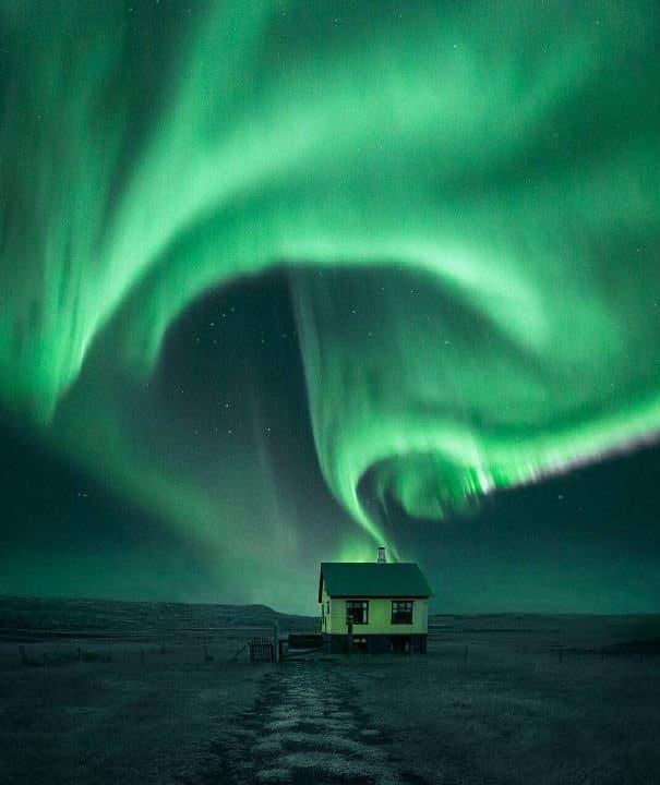 l islande illumin e par de magnifiques aurores bor ales islande explora. Black Bedroom Furniture Sets. Home Design Ideas