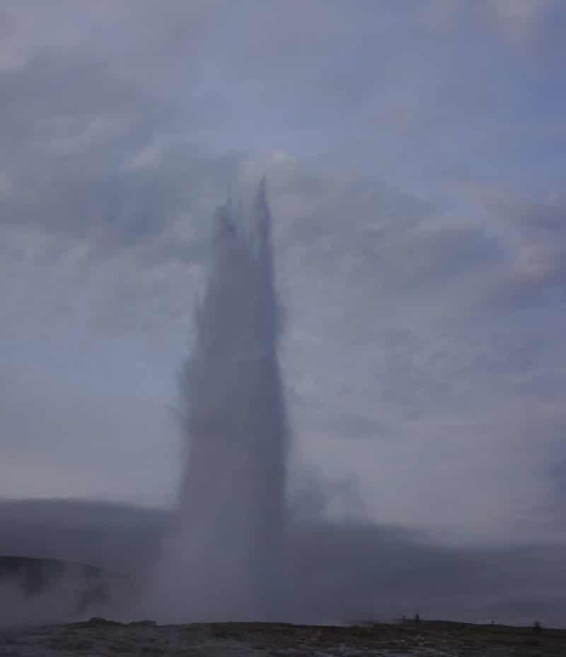 strokkur-de-geysir-en-eruption