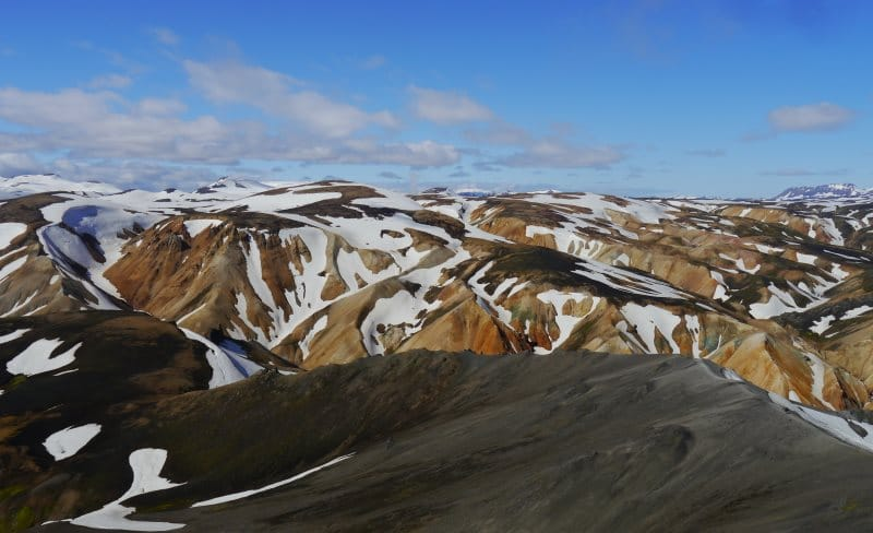 Vue des montagnes de Rhyolite du Blahnukur