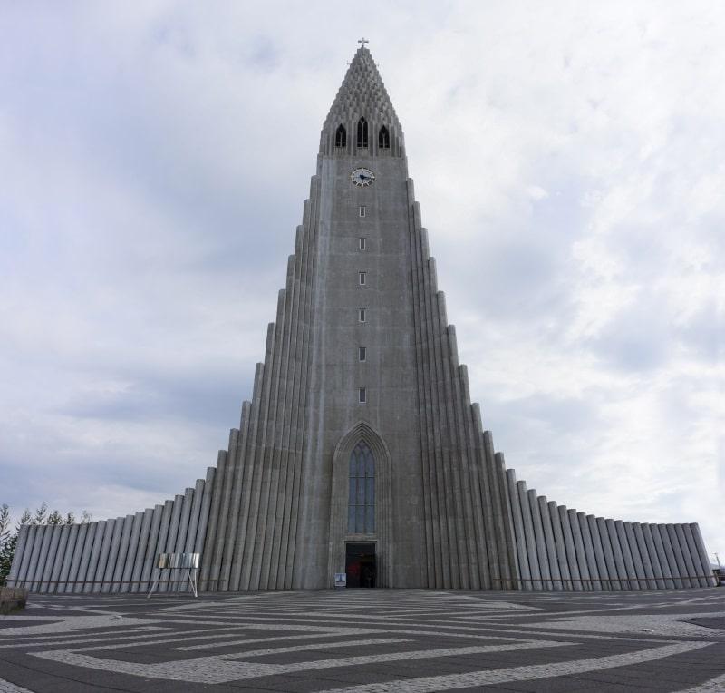 Hallgrímskirkja et son église