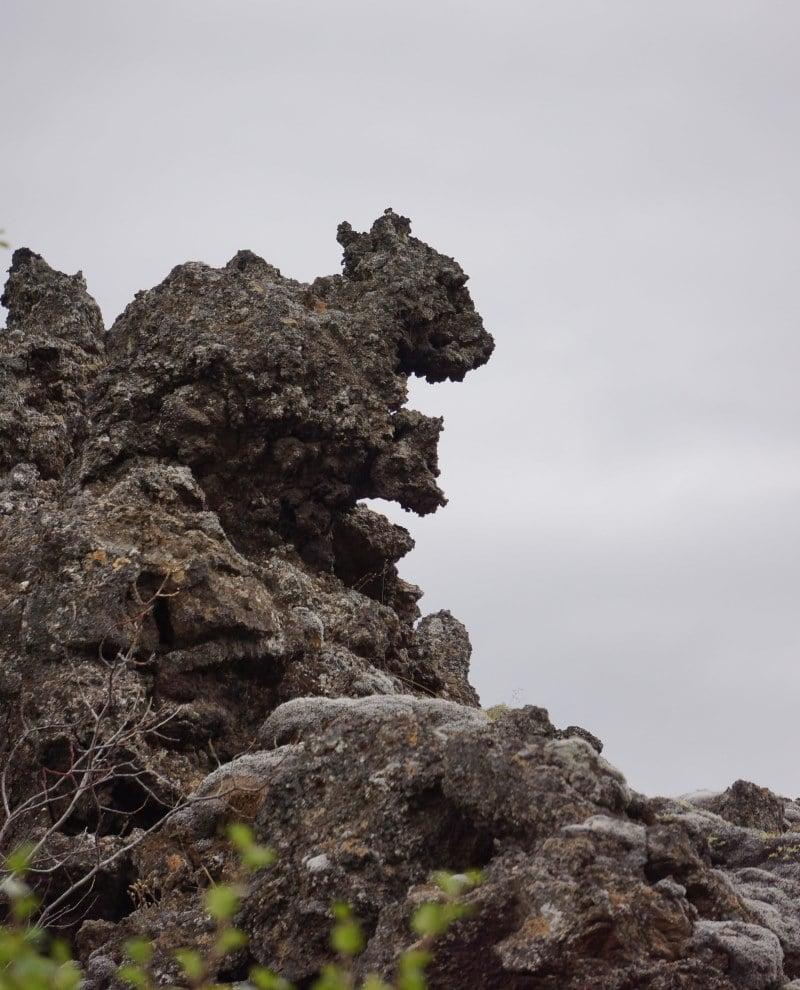 Dimmuborgir rocher écureuil