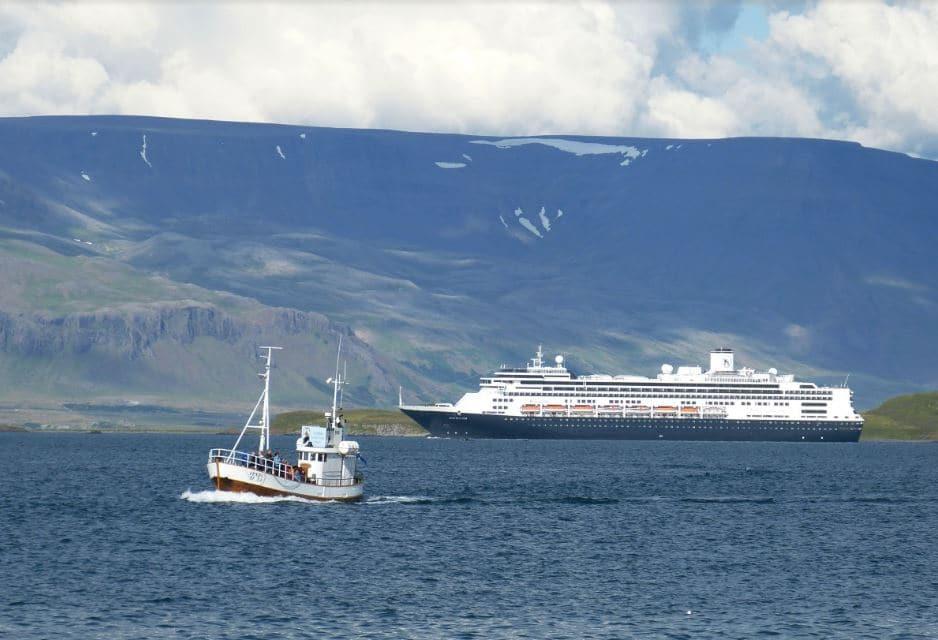 Bateau de croisière à Reykjavik