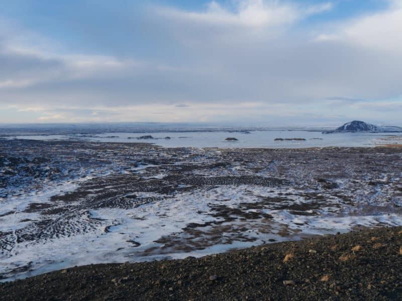 Vue du lac de Myvatn vers Hverfjall