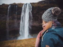 Les paysages naturels somptueux de l'Islande attirent de plus en plus d'étrangers.