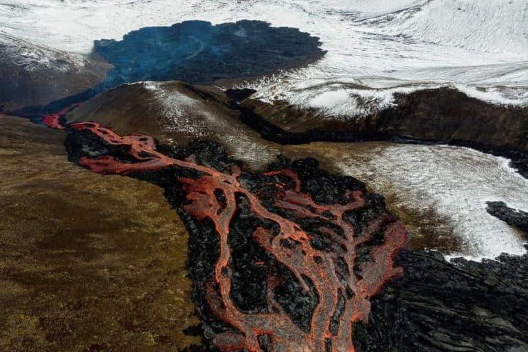 Suivi de l'éruption volcanique de Geldingadalsgos